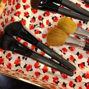 BareMinerals Blooming Blush Brush